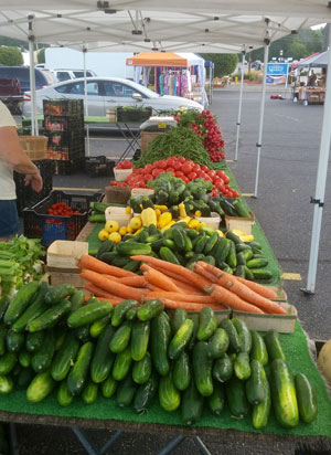 produce table at Allegan Farmers Market